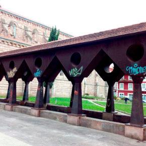 Cs Torrelavega lamenta el mal estado en que se encuentra el claustro metálico de la Iglesia de La Asunción