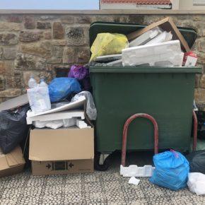 """Cs Suances critica la """"gestión deficiente"""" de los residuos en el municipio por la falta de contenedores y la escasa frecuencia de recogida"""