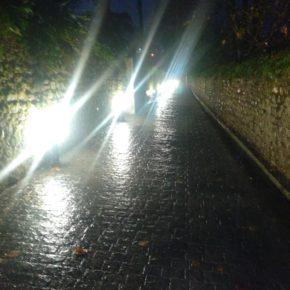 """Cs Valle de Buelna tacha de """"error"""" la instalación de balizas luminarias en la calle La Viña"""
