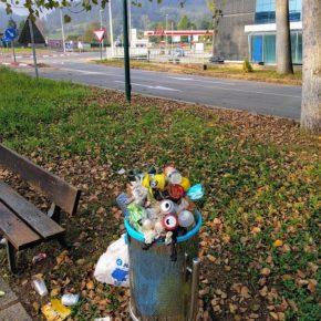 Cs solicita la reposición del mobiliario urbano en el área recreativa de Barros