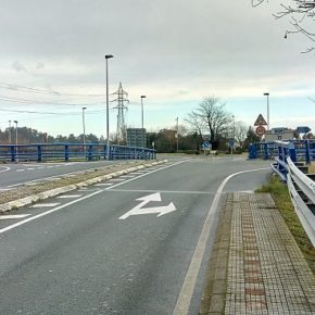 Cs propone enlazar la parada de autobús que hay junto al ambulatorio con las Marismas Blancas
