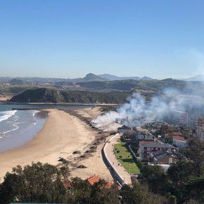 """Cs Suances denuncia la """"quema indiscriminada de residuos"""" en las playas del municipio"""