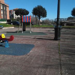 Cs insta al Ayuntamiento a mejorar el parque infantil del Grupo Ateca, en Monte