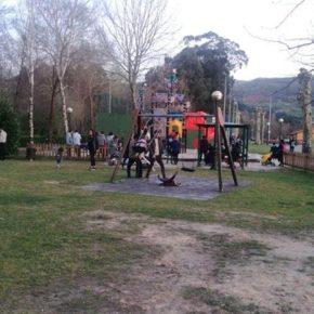 Cs solicita sustituir el suelo de arena del castillo de juegos inaugurado en el parque del Ansar por suelo de caucho