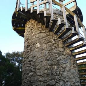 Cs alerta de la falta de mantenimiento de reclamos turísticos del Parque Natural de las Marismas de Santoña, Victoria y Joyel