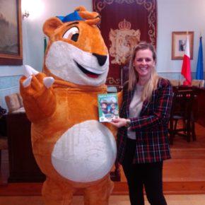 La Concejalía de Turismo del Ayuntamiento de Castro Urdiales presenta el juego turístico-educativo 'Marco Topo'