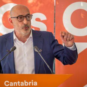 """Álvarez: """"Es indecente que el PSOE haya pretendido tomar como rehenes la estabilidad de la región y a los cántabros"""""""