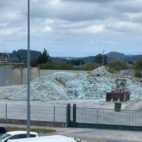Cs denuncia que la parcela dedicada a la gestión del vidrio en el polígono industrial Tanos-Viérnoles no cumple las medidas de seguridad