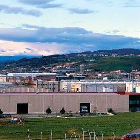 El Ayuntamiento de Astillero firma convenios con diferentes empresas del municipio para que en las nuevas contrataciones que lleven a cabo los vecinos del pueblo tengan prioridad