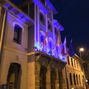 El Ayuntamiento de Astillero se ilumina hoy de azul para dar visibilidad a la dislexia