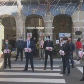 Astillero conmemora el Día Internacional para la eliminación de la violencia contra las mujeres guardando un minuto de silencio
