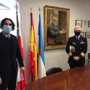 El alcalde de Astillero se reúne con el Capitán de Navío Carlos Bonaplata, Comandante Naval de Santander