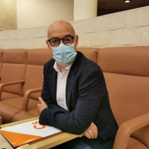 Cs pide información sobre los protocolos a seguir ante un posible retraso del suministro de las vacunas