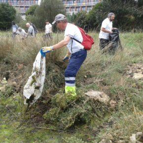 El Ayuntamiento de Astillero y SEO/BirdLife hacen un llamamiento para liberar de basuraleza las marismas