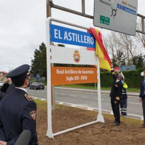 Astillero recupera su histórico cartel informativo del Real Astillero de Guarnizo