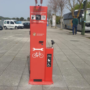 Cs apuesta por instalar en Arnuero una estación de reparación de bicicletas de uso gratuito