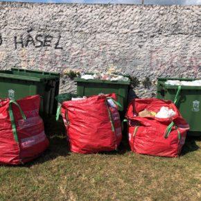 El Ayuntamiento de Castro-Urdiales retira más de 4 toneladas de residuos de la zona de La Atalaya, Pedregal y Luchana