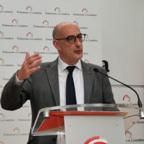 """Álvarez: """"Mientras el paro en España baja, en Cantabria sube; el gobierno de Revilla nos lleva al desastre colectivo y a la desesperación de miles de familias"""""""