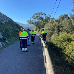 Liendo supervisa las labores de mantenimiento de varios tramos del Camino de Santiago y Vías Verdes del municipio